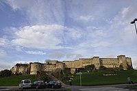 Façade sud du château de Caen.JPG