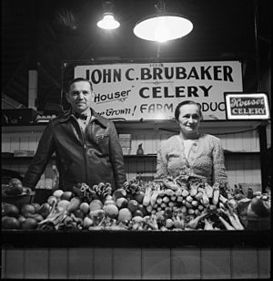 Central Market (Lancaster) - A woman and her husband at her stall in 1942