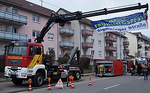 Hydrauliska Industri AB - Fire engine equipped with HIAB crane and hook-lift