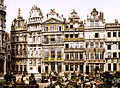 Flickr - …trialsanderrors - The old houses on the Grand-Place, Brussels, Belgium, ca. 1895.jpg