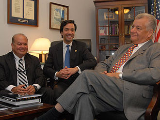 Luis Fortuño - Luis Fortuño meets with mayors from across the island of Puerto Rico in his congressional office (2006)