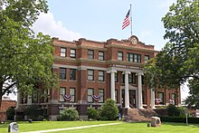 Freestone County Courthouse, Fairfield, TX 2010.jpg