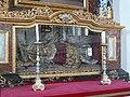 Friedenweiler Klosterkirche Chor Seitenaltar rechts Schrein.jpg