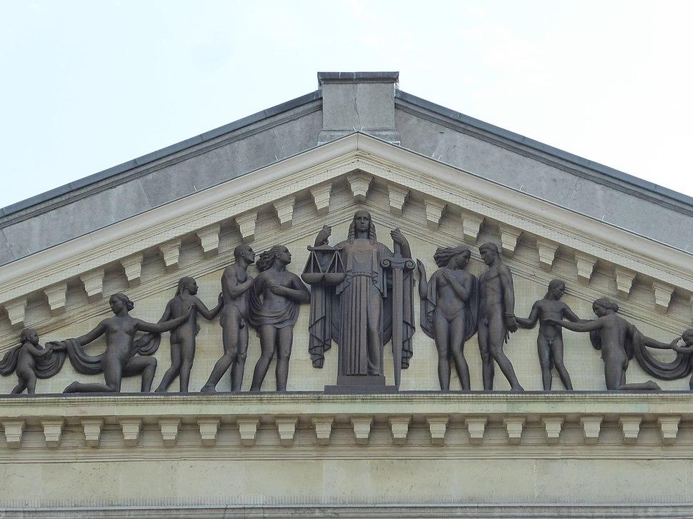 Fronton oud gerechtsgebouw, Gent