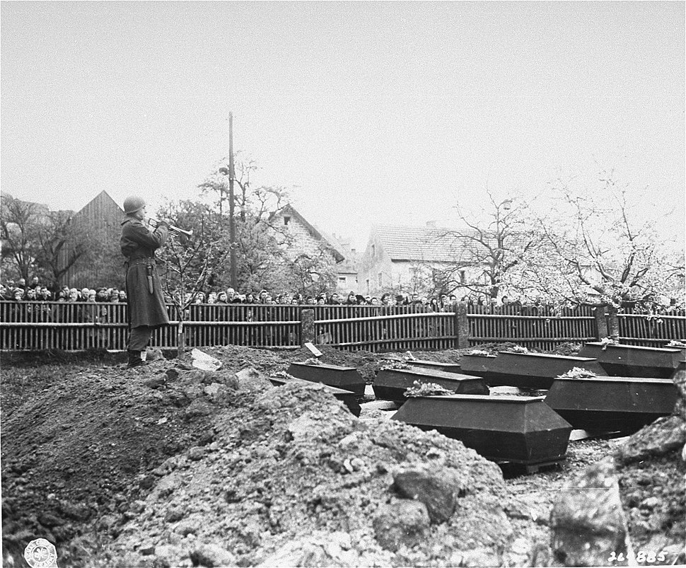 Funeral for Flossenburg prisoners who died after liberation