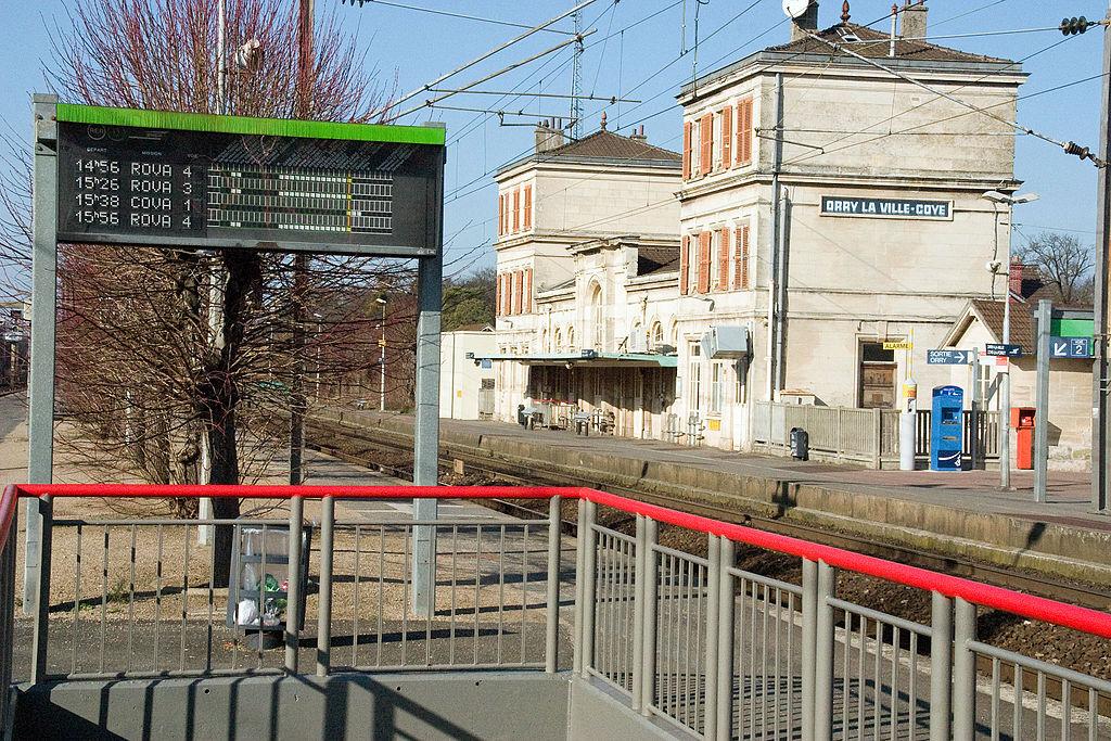 file gare de orry la ville coye crw 0874 jpg wikimedia commons