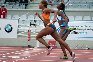 2011 European Athletics Junior Championships - Jamile Samuel, the Netherlands (left), and Gloria Hooper, Italy (right), at the finish of the 4x100 m relay heat.