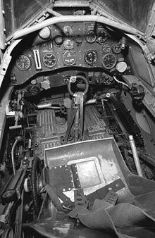 220px-Gloster_Gladiator_Cockpit.jpg
