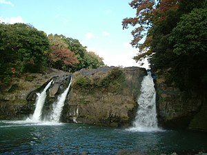 Goryu Waterfall 051120.JPG
