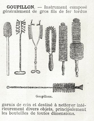 Brush - Assortment of cleaning brushes, including bottle brushes
