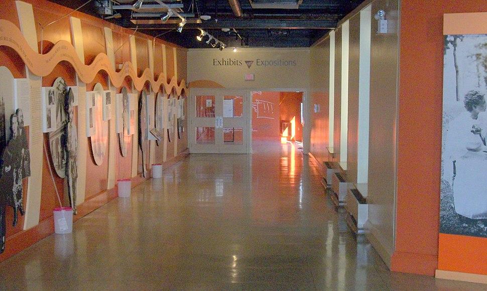 Grahambellmuseumcorridoor