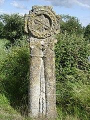 croix romane de Grisy
