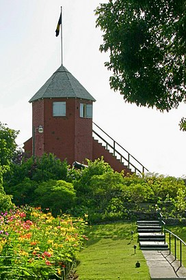 How to get to Gun Hill Signal Station with public transit - About the place