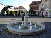 Gyongyos - Main Square fountain1.jpg