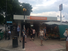 Hampstead Heath station entrance, July 2017.png