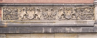 Hanseaten (class) - Reliefs of coats of arms of the three Hanseatic (sister) cities