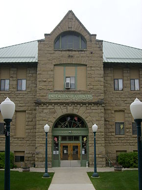 Harlowton MT Wheatland County courthouse.jpg