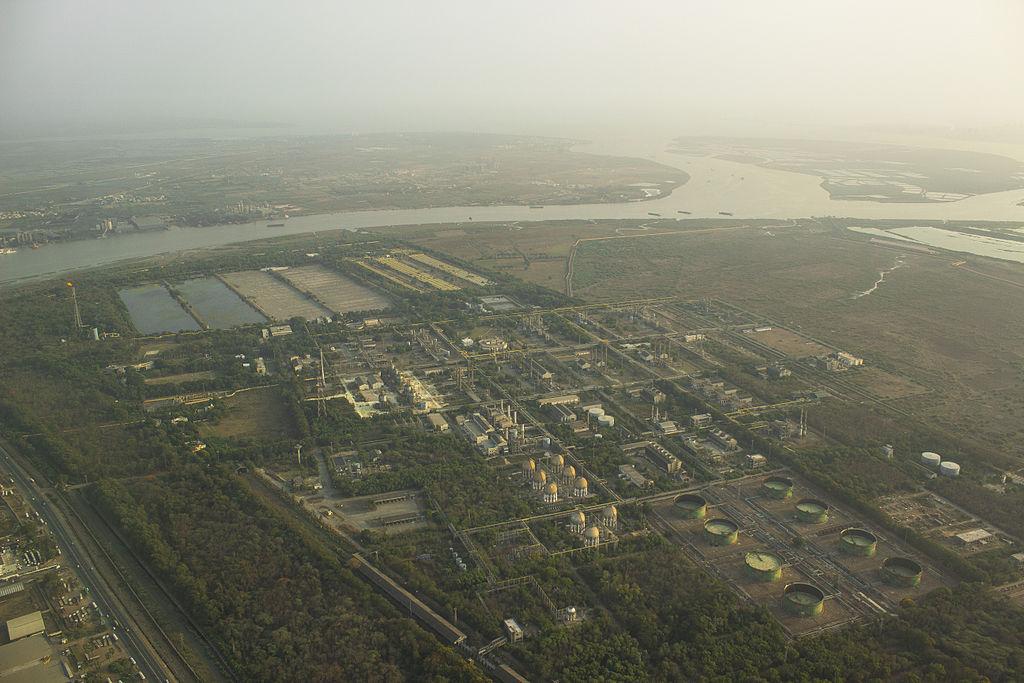 File:Hazira Industrial Area,ONGC.jpg - Wikimedia Commons