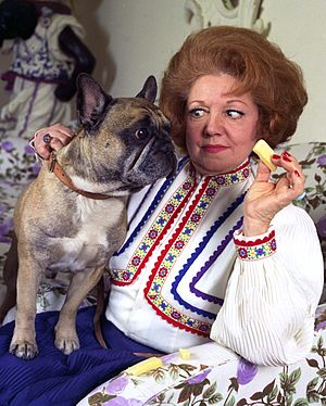 Hermione Baddeley - Baddeley at home by Allan Warren, 1970s
