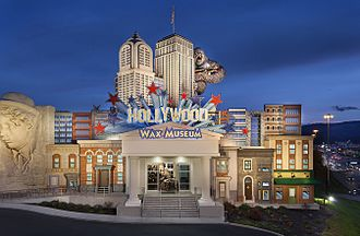 An example of a tourist destination in Pigeon Forge, Tennessee Hollywood Wax Museum - Pigeon Forge, TN.jpg