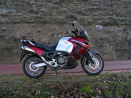 Honda XL1000V Varadeor side view.jpg