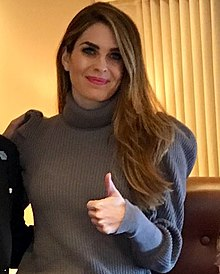 220px Hope Hicks thumbs up on 8 November 2017 detail%2C from  Donald Trump and staff on Air Force One %28cropped%29 - hope hicks هوپ هیکس