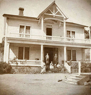 Mount Hamilton (California) - Hotel Santa Ysabel on the road up Mt. Hamilton just across Smith Creek in 1895, Courtesy of San Jose Public Library, California Room