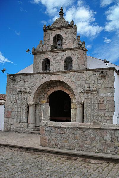 File:Iglesia de Balbanera.jpg