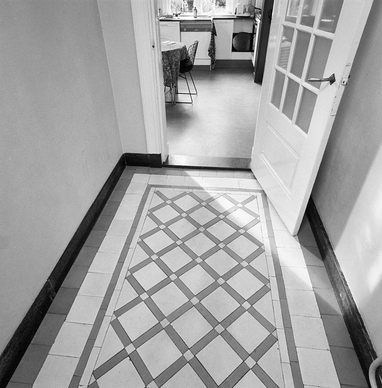 File interieur gang betegelde vloer baarn 20322592 wikimedia commons - Moderne betegelde vloer ...