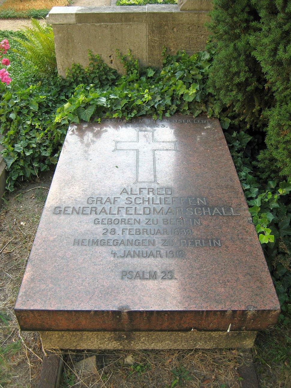 Invalidenfriedhof, Grabmal von Schlieffen