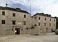 J32 755 Stari Grad, Tvrdalj.jpg