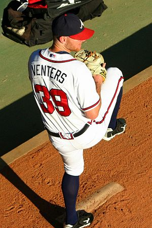 English: Atlanta Braves relief pitcher Jonny V...