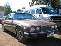 Jaguar XJ Vanden Plas 1986 (14630939895).jpg