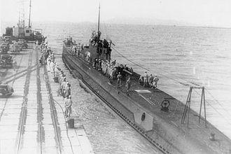 Japanese submarine I-10 - Image: Japanese submarine I 10 at Penang port in 1942