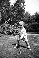 Jeb Bush with a golf club. Summer 1955.jpg