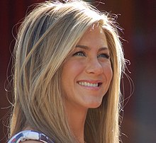 Jennifer Aniston rebent la seva estrella al Passeig de la Fama de Hollywood (2012).