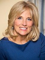 Retrato oficial de Jill Biden 2 (1) .jpg