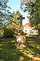 Kříž u kaple v Čachovicích.jpg