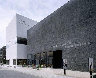 So kommt man zu Kunstmuseum Liechtenstein mit den Öffentlichen - Mehr zum Ort Hier