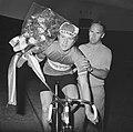 Kampioenschap van Nederland op de baan voor amateurs in Olympisch Stadion, huldi, Bestanddeelnr 925-7351.jpg