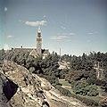 Kansallismuseo nähtynä Eduskuntatalon kallioilta - XLVIII-1356 - hkm.HKMS000005-km0000m3mi.jpg