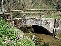 Katzenbach bei Katzenbacher Ziegelhütte - kleine Brücke.jpg