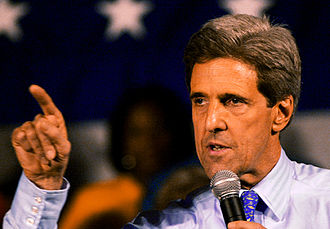 United States presidential election, 2004 - Senator Kerry at a primary rally in St. Louis, Missouri, at the St. Louis Community College – Forest Park