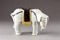 Kinesisk rökelsehållare i form av vit elefant - Hallwylska museet - 95445.tif