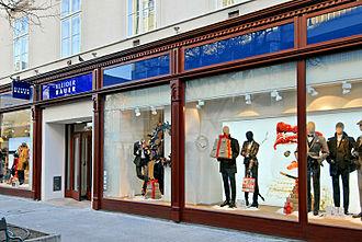 Fashion merchandising - Kleider Bauer Flagship