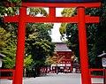 Kyoto Shimogamo-jinja Torii 7.jpg
