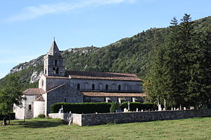 Léoncel - Image: Léoncel Abbey 8