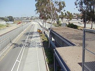 LA County+USC Medical Center station - Image: LAC & USC Med. Center Metro Silver Line Station 5