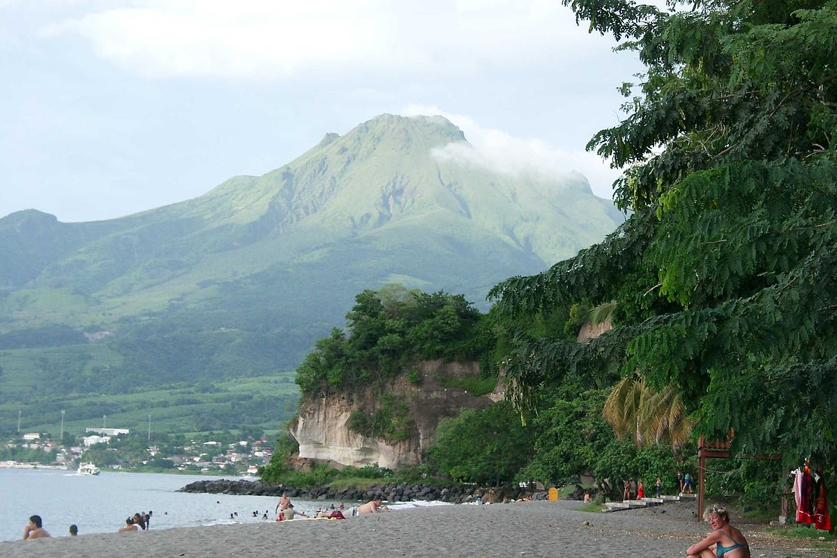 montagne pelée volcan