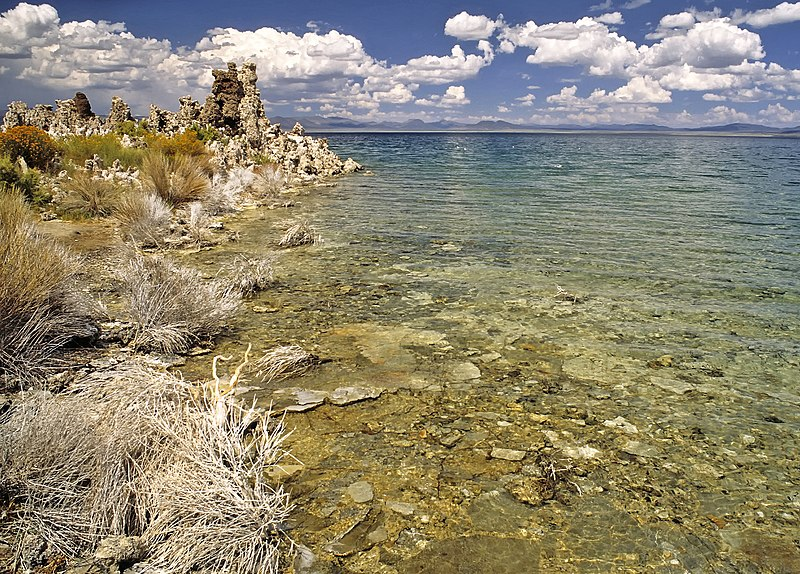 Datei:Lakeside of Mono Lake.jpg